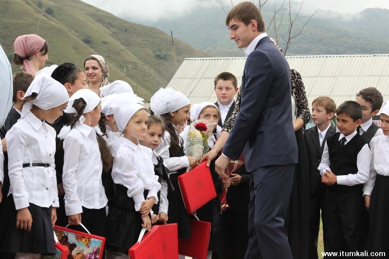 Чечня дети школы